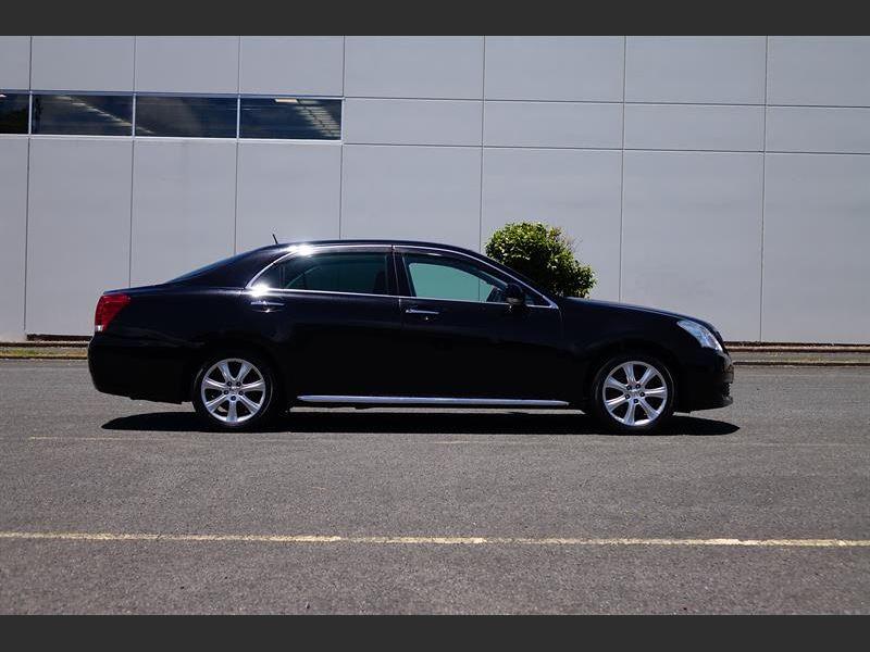 2009 Toyota Crown