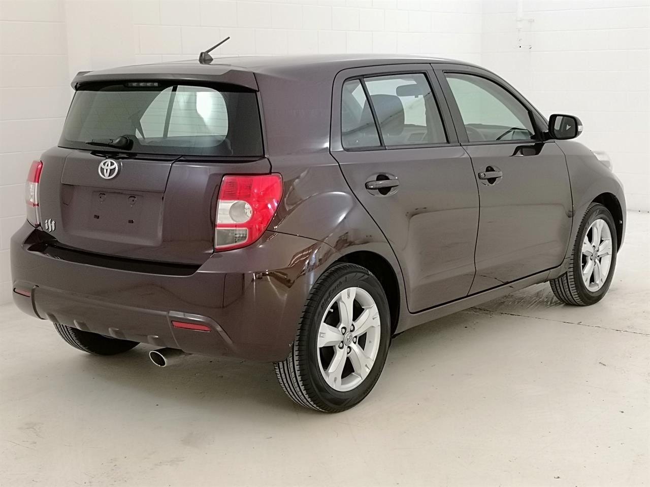 2010 Toyota Ist